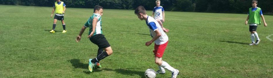 Fußballcamp mit Freundschaftsspielen