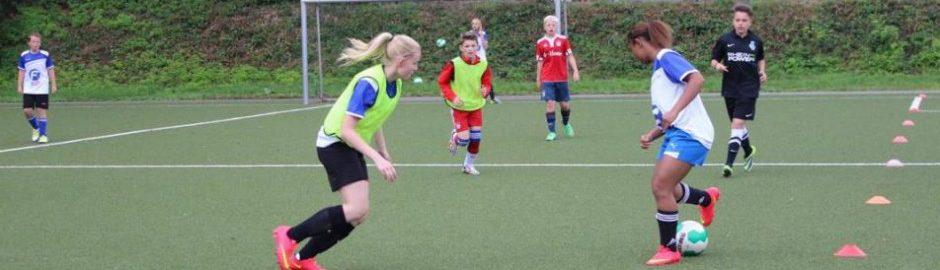 Fußballtraining für Mädchen in den Ferien