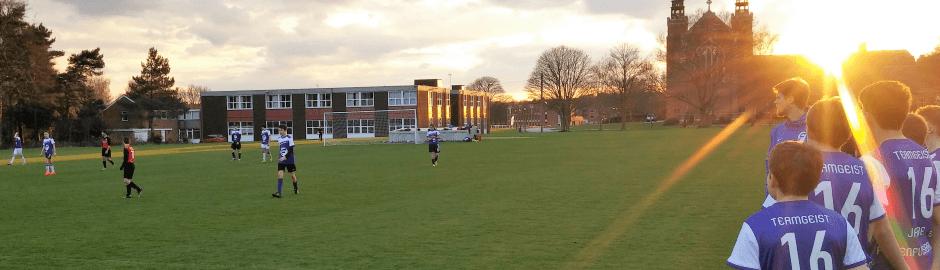 Fußballtraining & Freundschaftsspiele