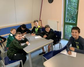 Kleingruppen im Camp