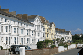 Die typischen Hausfassaden in Exmouth