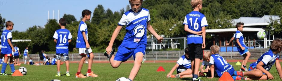 Ferienfussball Fußball Feriencamp in Bayern mit der Münchner Fussballschule