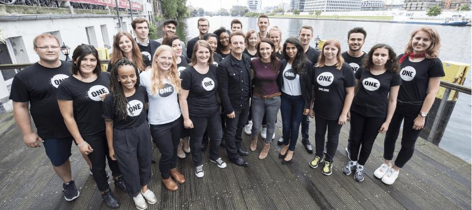 ONE Jugendbotschafter mit Bono und Kebekus