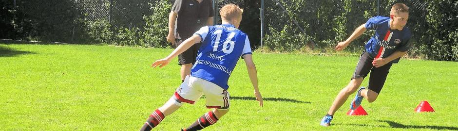 Fußballcamp Profi Wiehl Fußballplatz