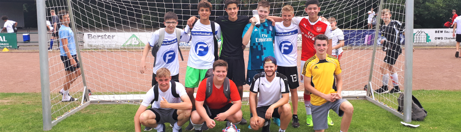 Freunde kennenlernen im Fußballcamp