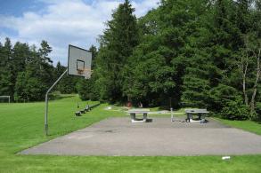 Schullandheim Dinkelscherben Basketballplatz