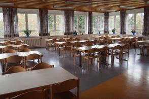 großer Speisesaal im Schullandheim Dinkelscherben