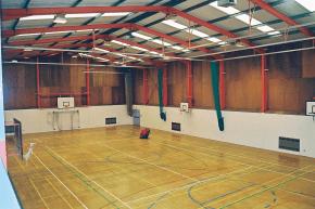 Indoor-Halle am Pangbourne College