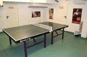 Tischtennis (drinnen und draußen) an der Jugendherberge Wiehl